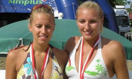 x - [stare] Simplus Cup 2009: Karolina Sowała, Monika Brzostek
