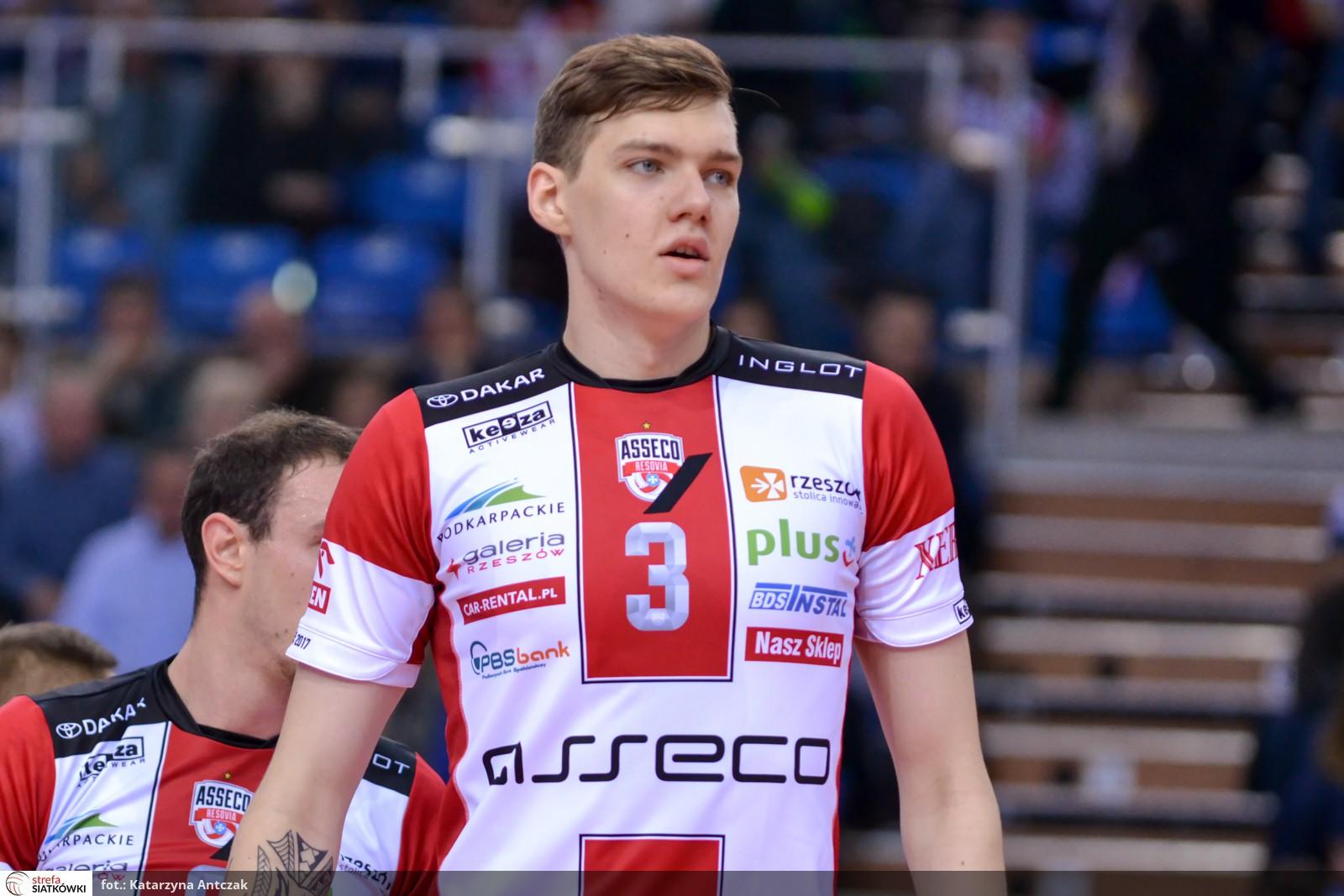 16 - Bartłomiej Lemański