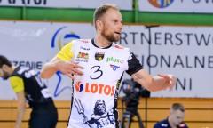 17 - Piotr Gacek