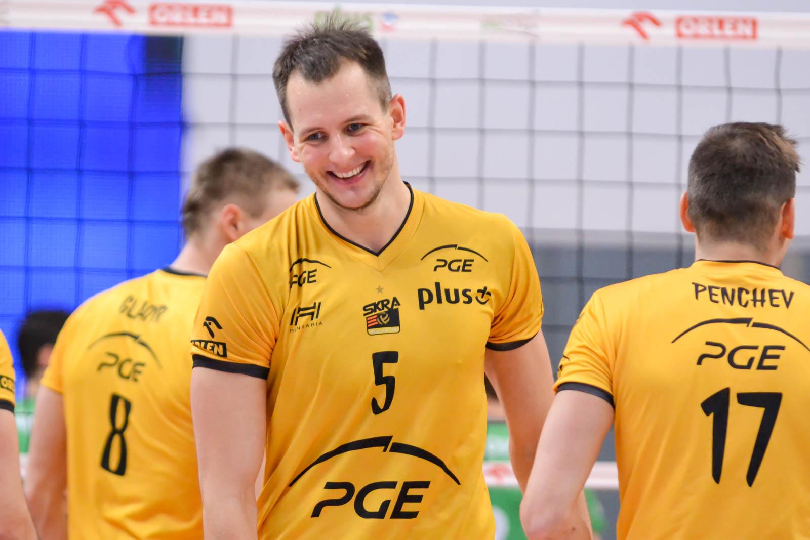 33 - Bartosz Kurek