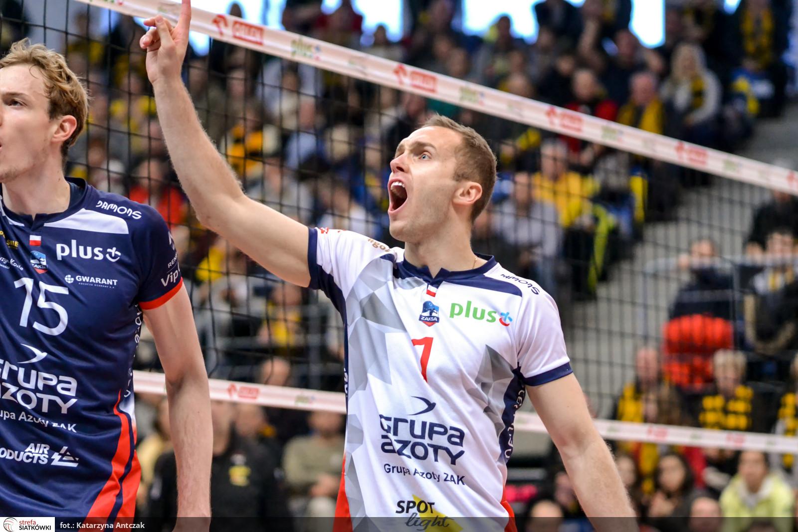 19 - Paweł Zatorski