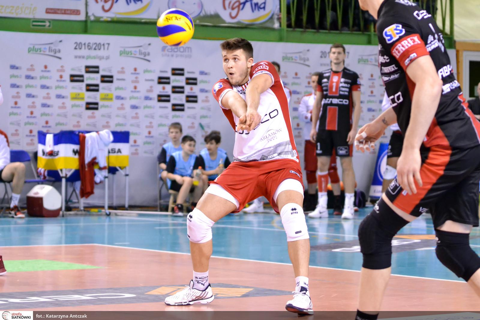 01 - Mateusz Masłowski