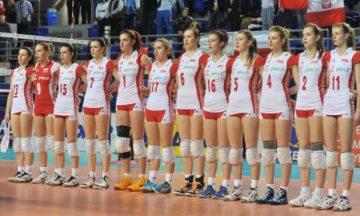 Reprezentacja Polski kadetek przed meczem finałowym z Włoszkami